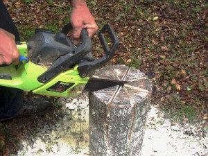 Swedish Log Candle - cutting