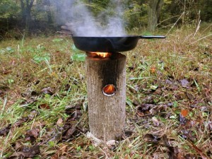 One Log Rocket Stove With Pan